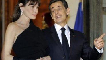 Carla Bruni e Sarkozy 300x225