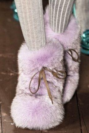 Terndenza Stivali In Pelliccia Inverno Moschino