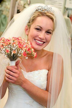 Acconciature Per La Sposa Raccolto Con Velo