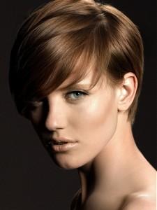 capelli corti-225x300