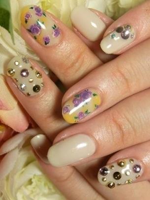 Floral Nail Art 5