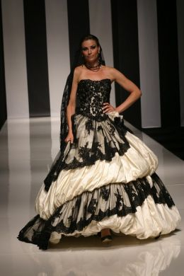 4miniian-stuart-2012-sposa-killer-queen-bianco-nero
