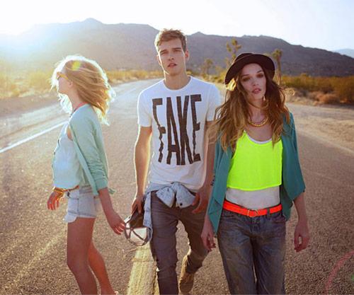 Bershka collezione abbigliamento moda primavera estate 2012