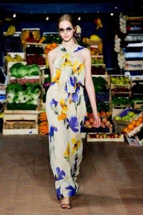 Moschino Cheap  Chic abbigliamento primavera estate 2012-2
