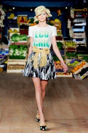 Moschino Cheap  Chic abbigliamento primavera estate 2012-3