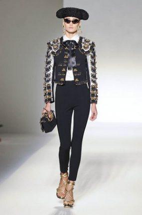 Moschino abbigliamento ed accessori primavera estate 2012-3