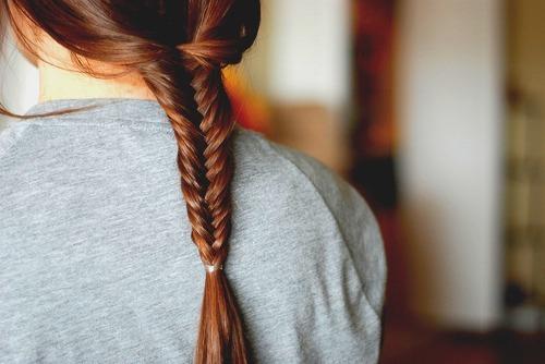 Tutorial pettinature capelli -  treccia a spiga-1