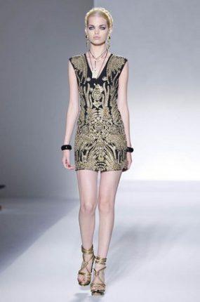 moschino-donna-collezione-primavera-estate-2012
