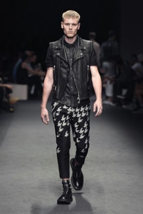neil-barrett-uomo-collezione-primavera-estate-2012-17