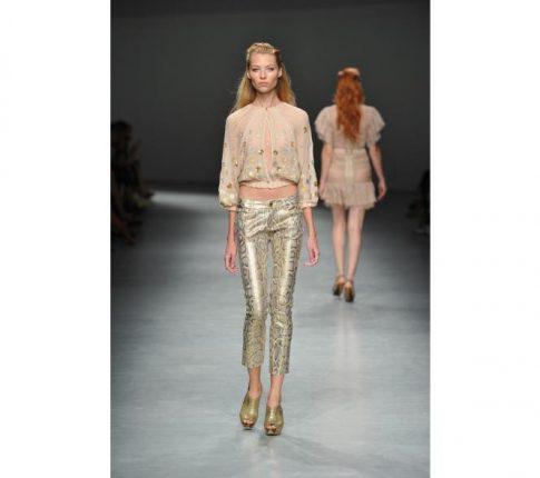 Moda-Donna -ollezione-primavera-estate -012-Angelo-Marani