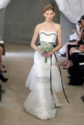 Collezione Carolina Herrera abiti da sposa moda 2013 per matrimonio visti alla Bridal Fashion Week di New York eleganza caratteristica del marchio
