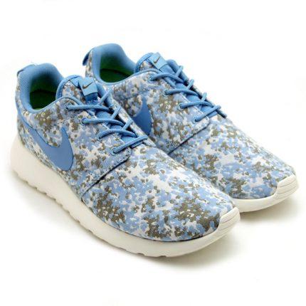 Nike-Womens-Roshe-Run-Premium-Camo-BeigeOlive-1