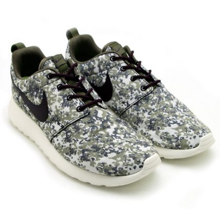 Nike-Womens-Roshe-Run-Premium-Camo-Medium-OliveSail-1