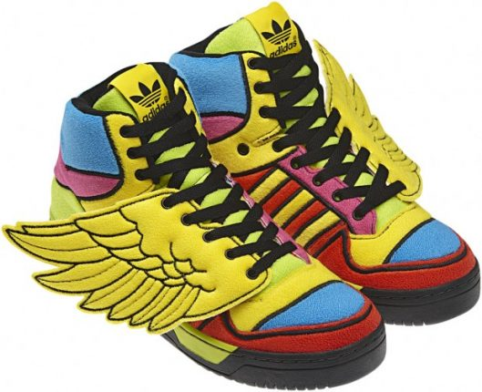 adidas-originals-jeremy-scott-autunno-inverno-2013-sneakers-colorate-con-ali