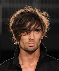 Foto tagli capelli uomo cresta