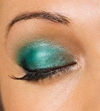 trucco-occhi-di-tendenza-sera-feste-verde-acqua