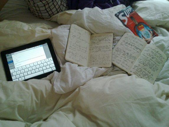 Lavoro a letto causa insonnia e dolori muscolari