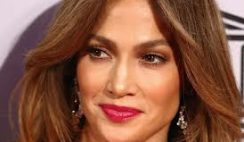 Jennifer-Lopez-look-al-gala-del-UNESCO