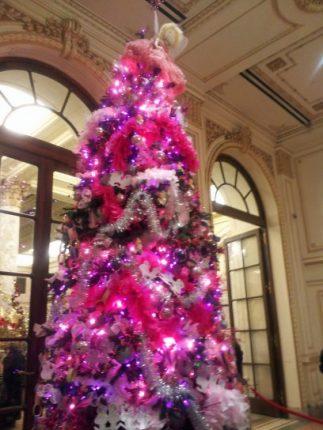 Albero Di Natale 2011 Dellhotel Plaza