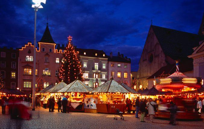 Mercatino Di Natale Bressanone Foto.Mercatini Di Natale A Bolzano E Bressanone Mondo Viaggi