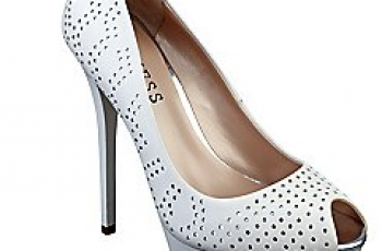 Guess-scarpe-catalogo-primavera-estate-2013