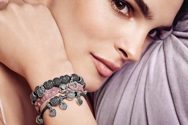 PANDORA-accessori-2013