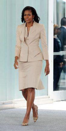 Michelle Obama trend tailleur Beige