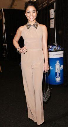 Vanessa Hudgens trend tuta Beige