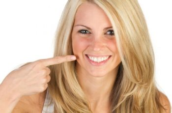Denti bianchi con rimedi naturali