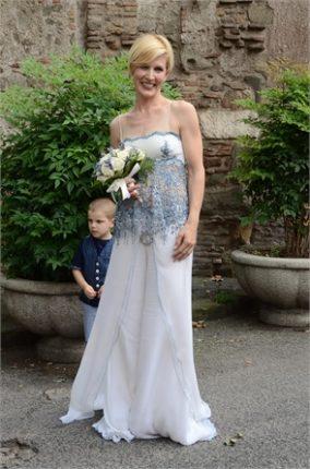 Gaia De Laurentiis sposa in pantaloni