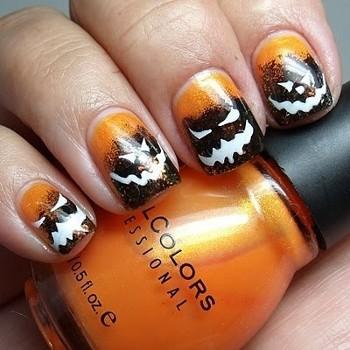 Nail art con facce spaventose