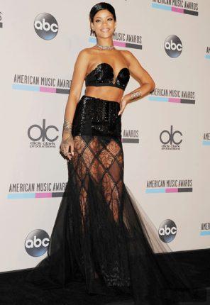 Celebrità più eleganti nel 2013 secondo Vogue Rihanna