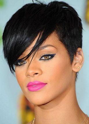 Trucco occhi da gatta Rihanna