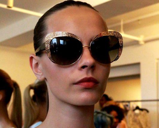 Occhiali da sole con montature glitter tendenze 2015
