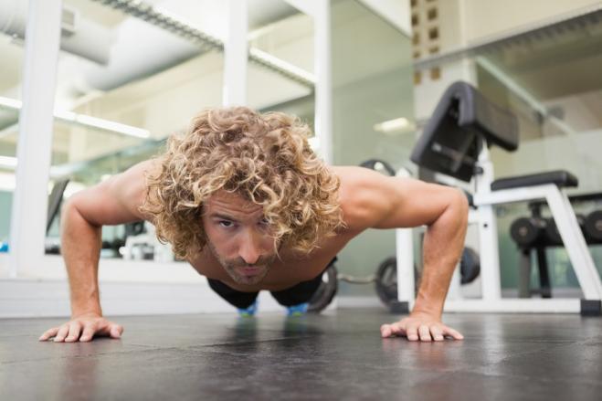 Flessioni Corpo perfetto con dodici esercizi