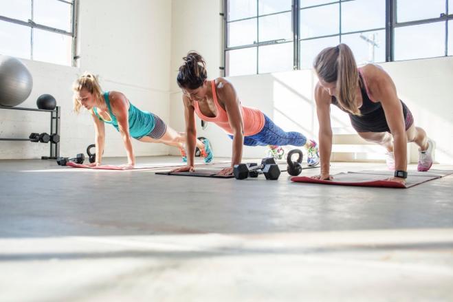 Il Plank Corpo perfetto con dodici esercizi