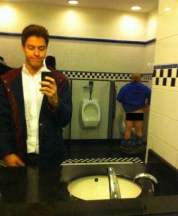 Selfie Imbarazzanti In Bagno 1