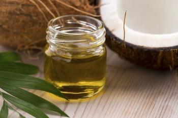 Come sbarazzarsi di rughe in pochi giorni con olio di cocco