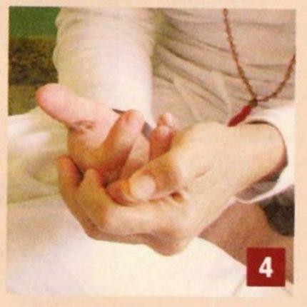 Massaggio do-in Per controllare irritabilita