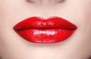 Rifarsi le labbra