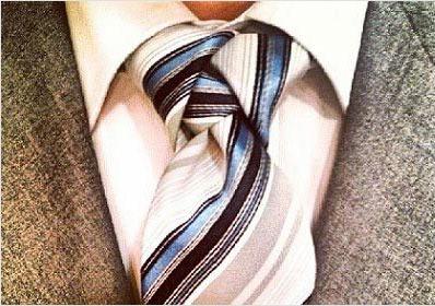 Diversi modi come fare nodo alla cravatta 011