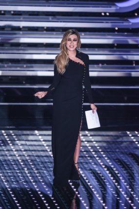 Virginia Raffaele Abiti E Look Sanremo