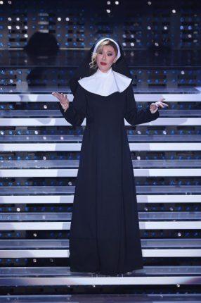 Virginia Raffaele Belen Rodriguez Abiti E Look Da Suora Sanremo