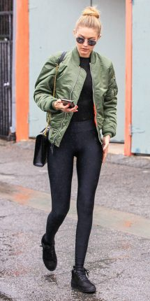 Gigi Hadid look bomber