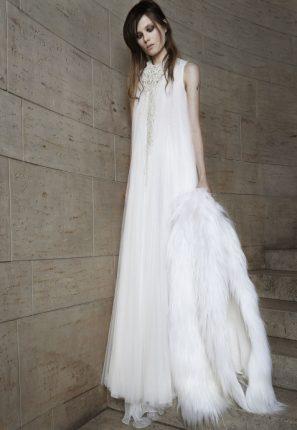 Abito da sposa con coprispalle in pelliccia Vera Wang 2015