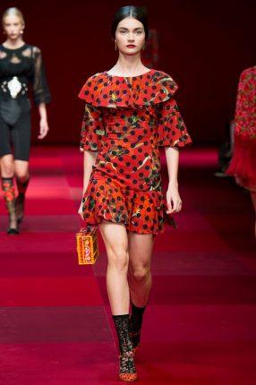 Abito con balze Dolce & Gabbana primavera estate 2015