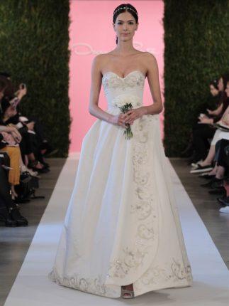 Abito da sposa con bordo ricamato Oscar de la Renta 2015