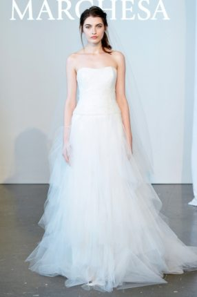 Abito da sposa con gonna i tulle Marchesa 2015