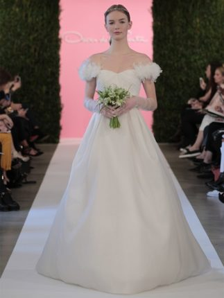 Abito da sposa con maniche particolari Oscar de la Renta 2015