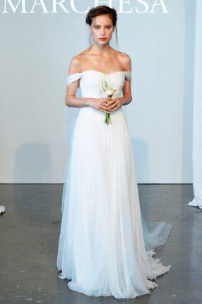 Abito da sposa con scollatura Marchesa 2015